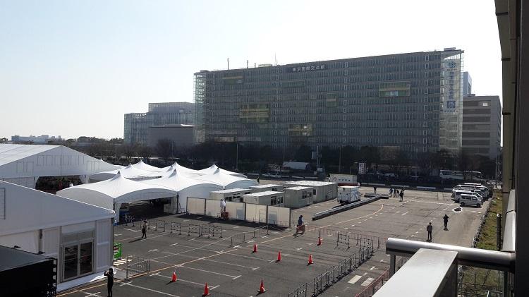 船の科学館駅から見た東京国際交流館